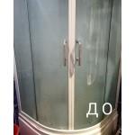 Спасаем душевую кабину от многолетнего известного и мыльного налета.  Использовали Sarbio К арт.010, 25% раствор.  Отмыли все одним средством: стеклянные двери, акриловый поддон и стенки, хромированные детали ( в том числе смеситель) , пластиковые форсунки, зеркало. #клинингновосибирск #уборка #аквачистка #стирка #sarbio